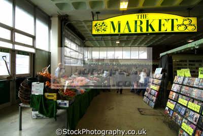bracknell market uk markets traders commercial buildings retailers british architecture architectural berkshire england english angleterre inghilterra inglaterra united kingdom