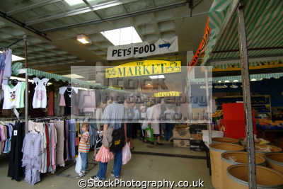 bracknell market uk markets traders commercial buildings retailers british architecture architectural berkshire england english angleterre inghilterra inglaterra united kingdom