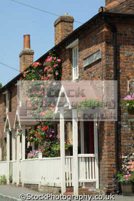 old beaconsfield rose covered cottages uk british housing houses homes dwellings abode architecture architectural buildings buckinghamshire bucks england english angleterre inghilterra inglaterra united kingdom