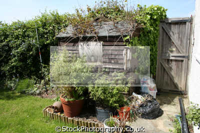 garden shed british sheds unusual buildings strange wierd uk gardening united kingdom