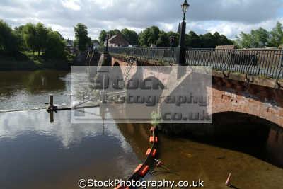 chester old dee bridge uk bridges rivers waterways countryside rural environmental cestrian cheshire england english angleterre inghilterra inglaterra united kingdom british