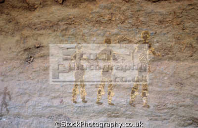 rock frescoes paintings tanzoumaitak tassili ajjer plateau djanet central sahara desert algeria africa african archeology archeological travel art algerian