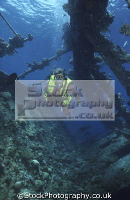 babs jackson diving umbria wreck port sudan wingate reefs sudanese red sea. indian ocean. 10 070 tons scuttled 1940 built 1912 hamburg bahia blanca 155 18 10.5 10 5 105 metres wrecks seascapes scenery scenic underwater marine africa