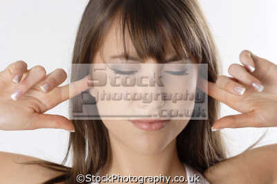 hear evil don tell hand gestures non-verbal non verbal nonverbal communication body language people persons