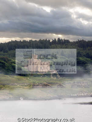 dunvegan castle mist. isle skye scotland. scottish castles british architecture architectural buildings uk scotch fog sea clan macleod highlands islands scotland scots escocia schottland great britain united kingdom