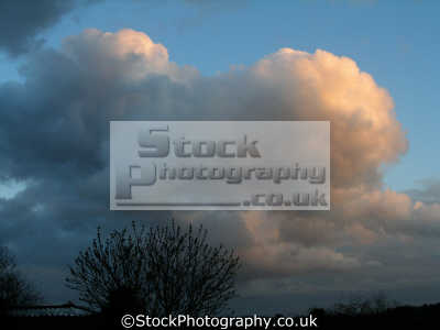 cumulus cloud sky natural history nature misc. fluffy cottonwool shower rain england english great britain united kingdom british spain spanish