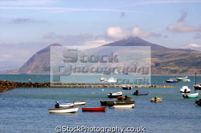 harbour porth dinll en north wales. uk coastline coastal environmental snowdonia morfa nefyn crescent sandy dinllaen gwynedd wales welsh país gales great britain united kingdom british