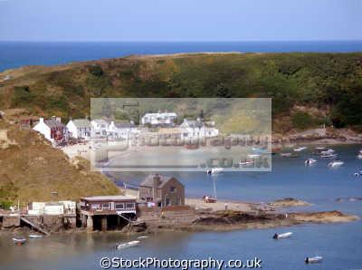 porth dinll en north wales uk. uk coastline coastal environmental snowdonia morfa nefyn beach crescent sandy dinllaen gwynedd welsh país gales great britain united kingdom british