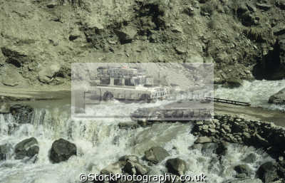 land rover series iii crossing fast-flowing fast flowing fastflowing glacier-melt glacier melt glaciermelt river lowarai pass dir chitral northwest pakistan off-road off road offroad motoring driving motor cars automobiles transport transportation uk asia hindu kush indian subcontinent pakistani