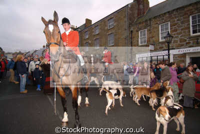 crowds helston hunt fox hunting blood banned sports sporting uk cornwall cornish england english great britain united kingdom british