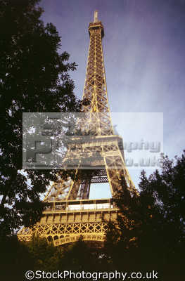 eiffel tower paris france french buildings european travel tour engineering iron iconic parisienne la francia frankreich europe