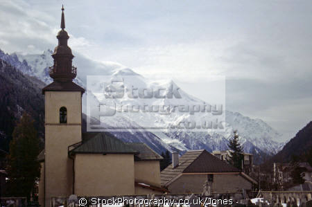 ski resort argentier near chamonix france. alps skiing skiiers south french european travel church grave yard cross-country cross country crosscountry snow rhône-alpes rhône alpes rhônealpes france la francia frankreich europe