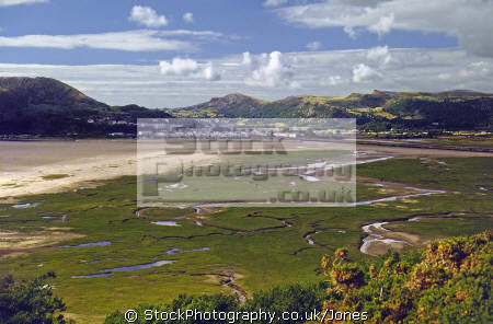 looking porthmadog portmeirion peninsula portmerion british architecture architectural buildings uk portmadoc minffordd traeth ch mawr snowdonia wales clough williams ellis borthygest borth gest estuary gwynedd welsh país gales great britain united kingdom