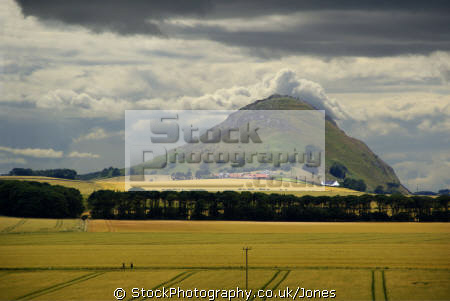 berwick law north east lothian scotland. taken nearby tantallon castle. rural britain countryside rustic pastoral environmental uk firth forth bass rock seacliff edinburgh lava basalt volcanic plug central scotland scottish scotch scots escocia schottland great united kingdom british