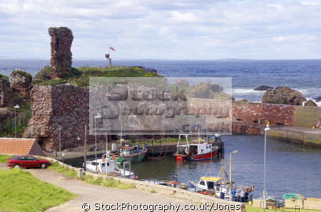 dunbar harbour east lothian scotland harbor uk coastline coastal environmental sandstone fishing boat trawler yacht haven quayside north sea firth forth castle central scottish scotch scots escocia schottland great britain united kingdom british