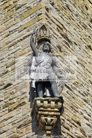 statue real william wallace monument near stirling. scottish castles british architecture architectural buildings uk bridge clan falkirk mel gibson braveheart patriot english stirling stirlingshire scotland scotch scots escocia schottland great britain united kingdom