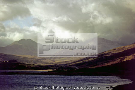 moody skies snowdonia wales sky natural history nature misc. weather meteorology oppressive lowering gloomy cloudy stormy overcast snowdon lakeside gwynedd welsh país gales great britain united kingdom british