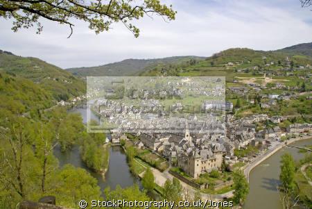 town entraygues-sur-truyere entraygues sur truyere entrayguessurtruyere confluence truyere lot. french landscapes european travel midi-pyrenees midi pyrenees midipyrenees auvergne aveyron river gorges lot france la francia frankreich europe
