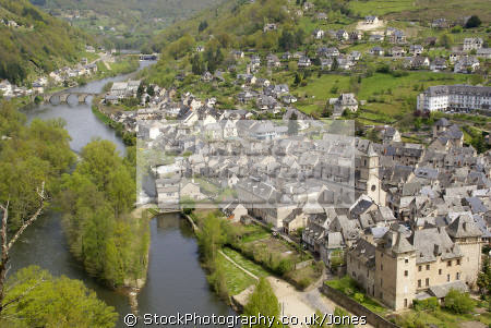 entraygues-sur-truyere entraygues sur truyere entrayguessurtruyere french landscapes european travel midi-pyrenees midi pyrenees midipyrenees auvergne aveyron river gorges lot france la francia frankreich europe