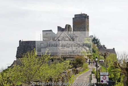 mediaeval chateau village valon near gorges-de-la-truyere gorges de la truyere gorgesdelatruyere aveyron france french buildings european travel medieval midi-pyrenees midi pyrenees midipyrenees auvergne river lot la francia frankreich europe