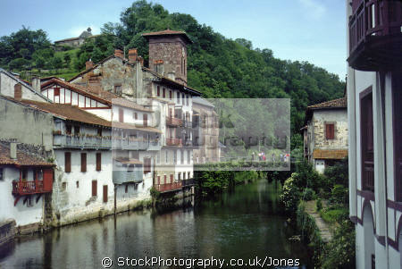 town st-jean-pied-de-port st jean pied de port stjeanpieddeport france south-west south west southwest corner. french buildings european travel aquitaine pays-basque pays basque paysbasque pyrenees-atlantiques pyrenees atlantiques pyreneesatlantiques pyrènèes river la francia frankreich europe