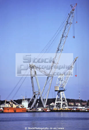 giant floating crane uglen stavanger harbour. marine misc. shipping barge ugland oil lifting platform industry norway norge kongeriket europe european norwegan