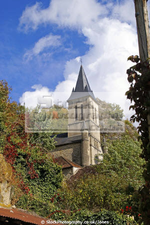 church tiny hamlet gluges france lot region french buildings european travel cliffs subsidence landslip landslide crumbling eglise midi-pyrenees midi pyrenees midipyrenees la francia frankreich europe