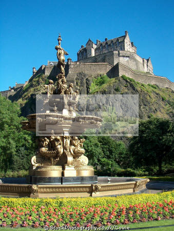 fountain princes street gardens edinburgh.scotland edinburgh scotland edinburghscotland scottish castles british architecture architectural buildings uk edingburgh castle edinburgh midlothian central scotland scotch scots escocia schottland great britain united kingdom