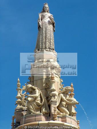 doulton fountain glasgow scotland uk statues british architecture architectural buildings queen victoria central scottish scotch scots escocia schottland great britain united kingdom