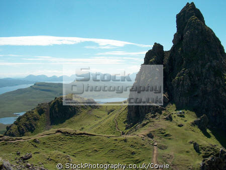 looking cullins old man storr. isle skye.scotland skye scotland skyescotland mountains countryside rural environmental uk skye eilean sgitheanach highlands islands scotland scottish scotch scots escocia schottland great britain united kingdom british