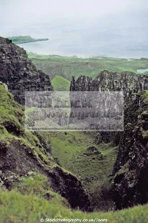 quiraing isle skye scotland geology geological science misc. scottish island celtic trotternish peninsula landslip meall na suiramach eilean sgitheanach highlands islands scotch scots escocia schottland great britain united kingdom british