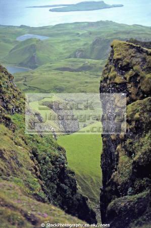 view quiraing isle skye scotland geology geological science misc. scottish island celtic trotternish peninsula landslip meall na suiramach eilean sgitheanach highlands islands scotch scots escocia schottland great britain united kingdom british