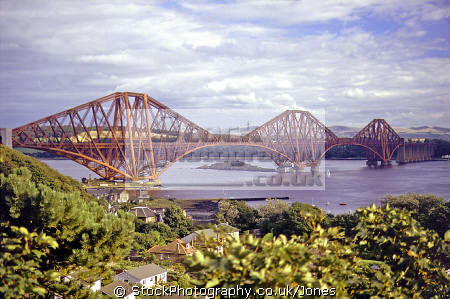 forth rail bridge north queensferry uk bridges rivers waterways countryside rural environmental river estuary firth edinburgh scotland engineering cantilever fife scottish scotch scots escocia schottland united kingdom british