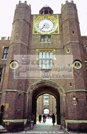 hampton court palace royal palaces royalty stately homes british architecture architectural buildings uk henry eighth tudor viii cardinal wolsey oliver cromwell surrey england english great britain united kingdom