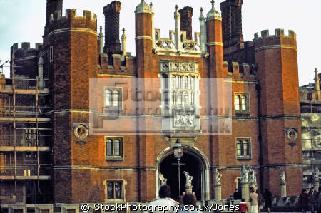 hampton court palace main entrance late winter afternoon royal palaces royalty stately homes british architecture architectural buildings uk henry eighth tudor viii cardinal wolsey oliver cromwell surrey england english great britain united kingdom