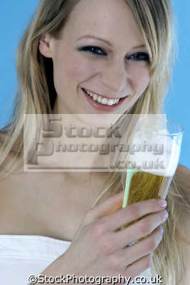 drinking lager beer alchohol people eating nutrition human activities persons