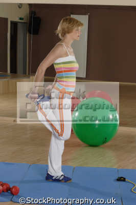 warming gym gymnasium health clubs exercise physical athletic aerobic anaerobic fitness people persons