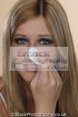 removing makeup cosmetics make-up make up makeup fashion haute couture chic designer people persons
