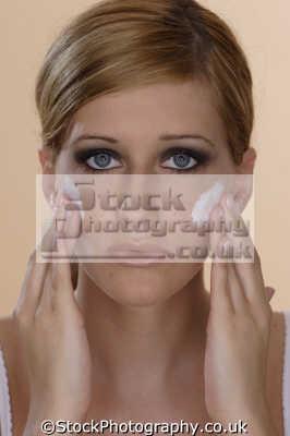 moisturiser makeup cosmetics make-up make up makeup fashion haute couture chic designer people persons moisturising cream