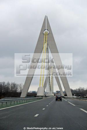 viaduct chavanon a89 french european travel transeuropean structure engineering gorge valley correze limousin creuse france la francia frankreich europe