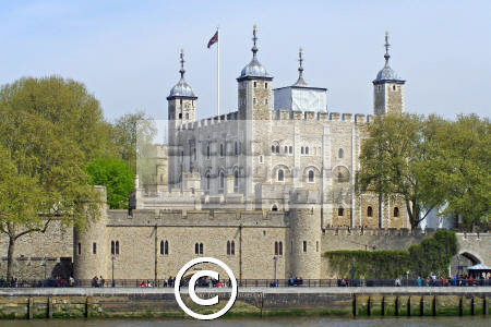 tower london river thames historical britain history science misc. traitor gate ravens prison execution beheading crown jewels cockney england english great united kingdom british