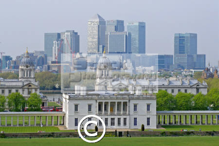 queen house greenwich national maritime museum canary warf complex distance famous sights london capital england english park colonade baroque meridian observatory cockney angleterre inghilterra inglaterra united kingdom british