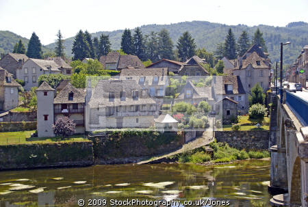 pleasant market town argentat southern limousin. dordogne river pont la république right. french landscapes european travel correze promenade quay quais bridge limousin france francia frankreich europe