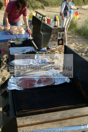 beach barbecue british beaches coastal coastline shoreline uk environmental bbq cooking food cornwall cornish england english angleterre inghilterra inglaterra united kingdom