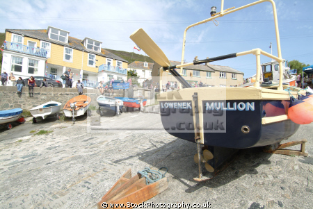 mullion harbour day fishing boats marine lizard cornwall cornish england english angleterre inghilterra inglaterra united kingdom british
