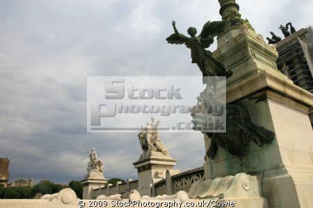 statues victor emmanuel monument rome lazio italian european travel memoral roma roman italy italien italia italie europe united kingdom british