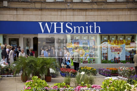 wh smiths branch fargate sheffield south yorkshire uk shops commercial buildings retailers british architecture architectural newsagent book shop high street stationers england english angleterre inghilterra inglaterra great britain united kingdom grande-bretagne grande bretagne grandebretagne großbritannien gran bretagna bretaña