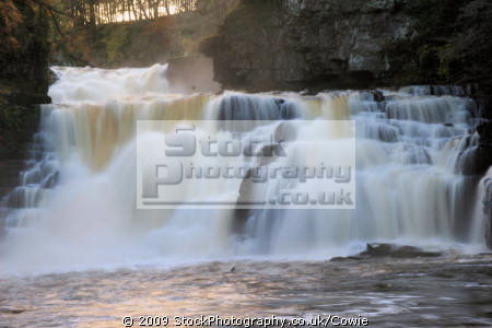 falls clyde waterfalls cascade cataracts geology geological science misc. waterfall rivers lanarkshire scotland scottish scotch scots escocia schottland great britain united kingdom british uk grande-bretagne grande bretagne grandebretagne großbritannien gran bretagna bretaña