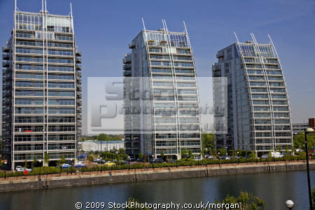 modern appartment blocks regenerated salford quays area manchester lancashire flats apartments british housing houses homes dwellings abode architecture architectural buildings uk regeneration redevelopment canalmodern lancs england english angleterre inghilterra inglaterra great britain united kingdom grande-bretagne grande bretagne grandebretagne großbritannien gran bretagna bretaña