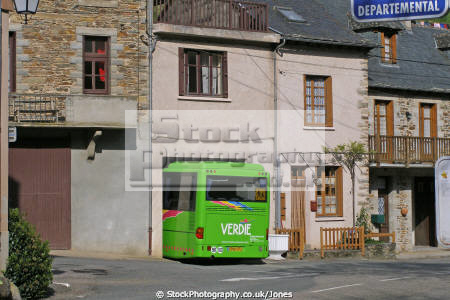 park bus spotted grand varbre aveyron france french european midi-pyrenees midi pyrenees midipyrenees pyrènèes valley conques humour tight squeeze public transport humor lot la francia frankreich